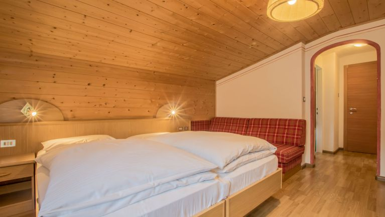 Rooms with half board or b&b in Alta Badia